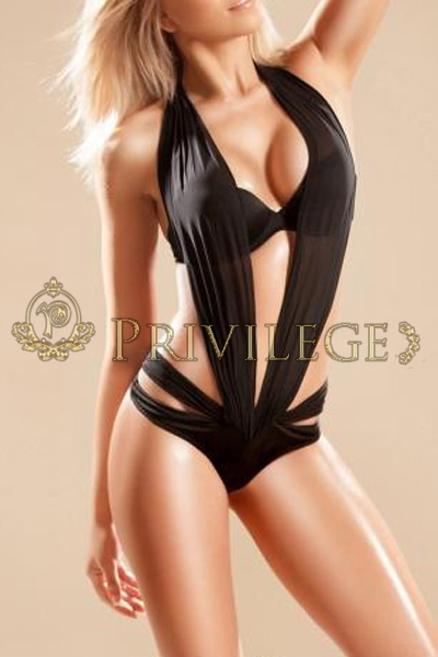 Blonde busty posh and chic escort in Paris Silvia, luxury lingerie model and VIP gfe companion