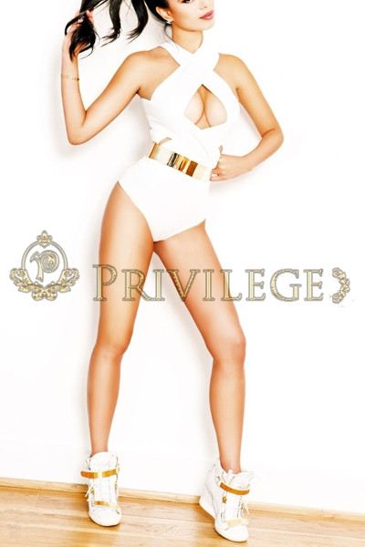 Paris VIP escorts Savanna, luxury models companion