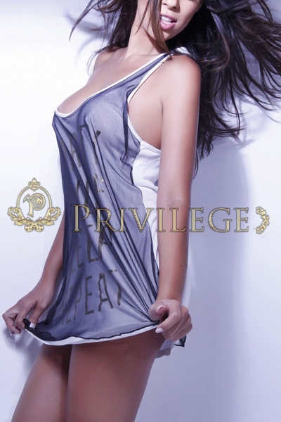 Escort VIP Paris Celine, young brunette top model, luxury Parisian companion